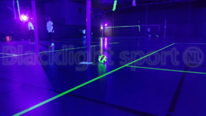 Blacklight volleybal glow in the dark