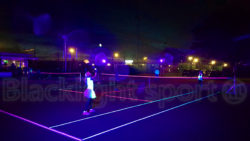Blacklight tennis buiten outdoor