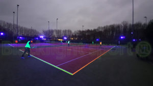 Blacklight tennis buiten outdoor schemer